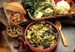 Gemüsesuppe. Mallorca typischen Küche, Rezepte.