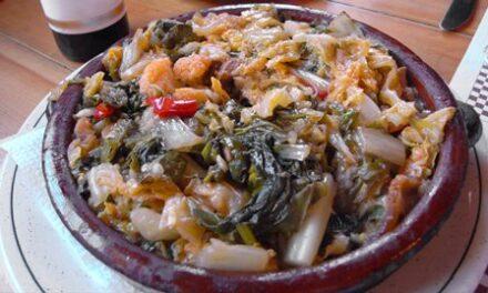 "Warme mallorquinische Gemüsesuppe ""Sopes mallorquines"""