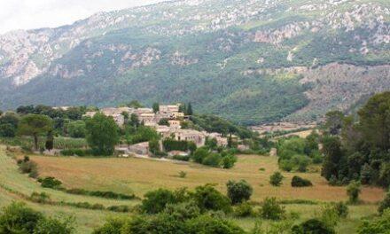Orient, un poble de la Serra de Tramuntana