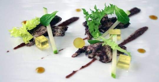 Ensalada-de-Bacalao-con-aceitunas-manzana-y-vinagreta-de-miel-y-aceite-Predio-Son-Quint-4