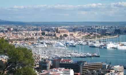 Palma de Mallorca, una ciudad asomada a su bahía