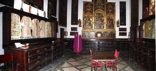 claustro-gotico-sant-francesc-palma-mallorca-1