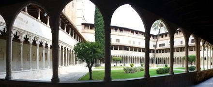 The Gothic cloisters of Sant Francesc, a haven of peace dating back to the 13th century
