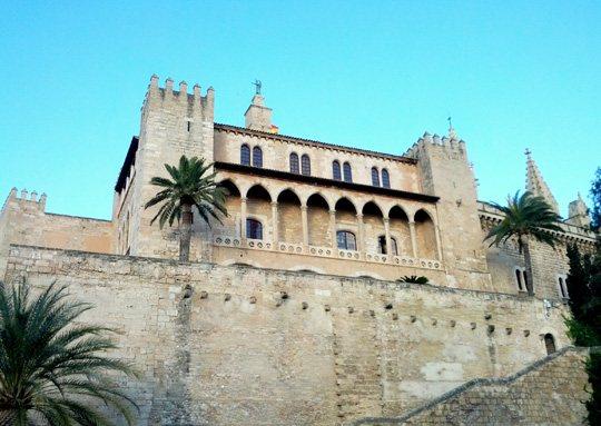 Arc de la Drassana, Palau de la Almudaina: Palma de Mallorca