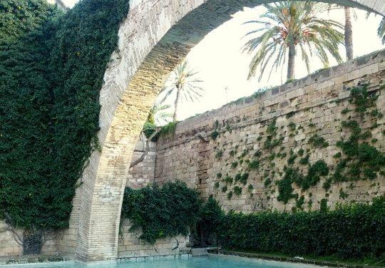 El Arco de la Drassana: Palma de Mallorca