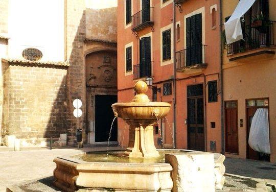 La plaça de Sant Jeroni uneix el passat cultural de Mallorca