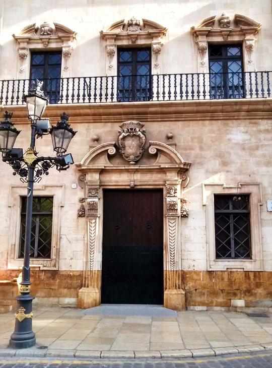 Ayuntamiento de Palma y Consell Insular. Plaza de Cort