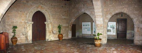 В Пальма-де-Майорка до сих пор существует приют, созданный в замке Темпле