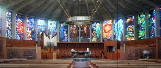 iglesia-de-cristal-la-Porciuncula-interior-mallorca