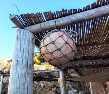 La Cala y el pueblo de Estellencs, Mallorca