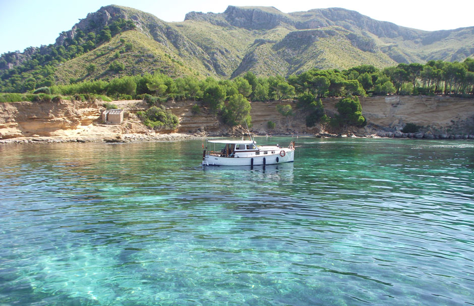 Mallorca Boat Trips: Fun for all the family. Llaüt excursion